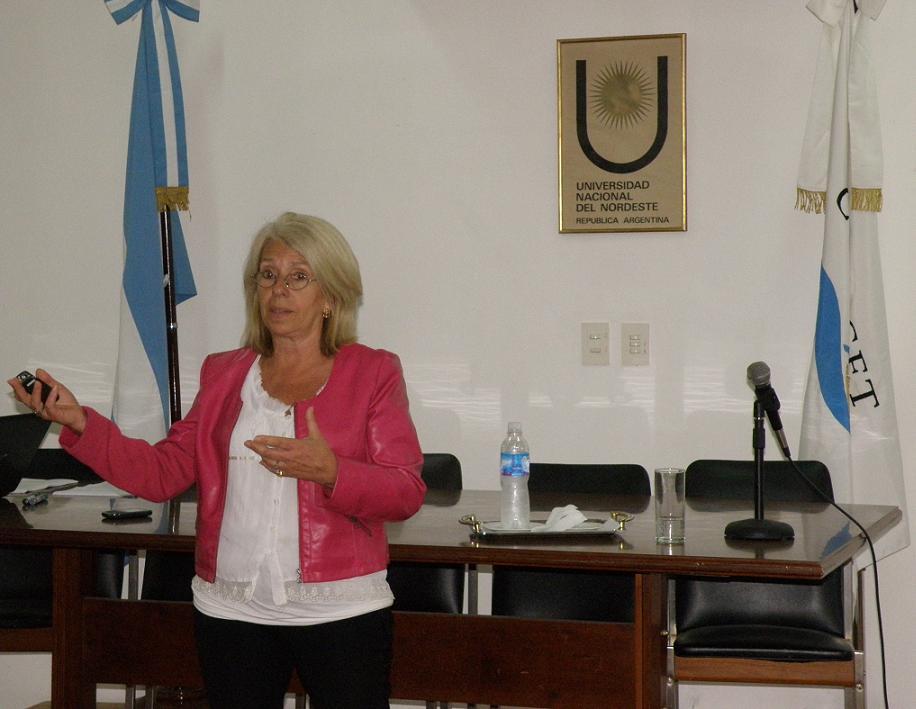 Dra. Claudia Garcia Bonelli